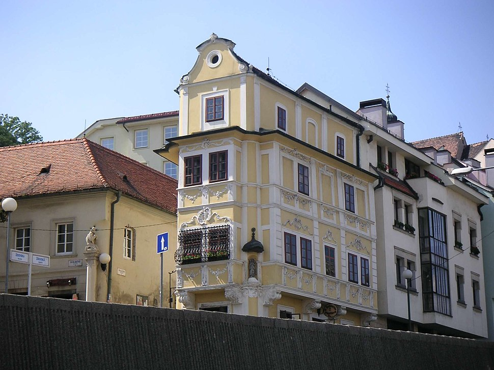 Bratislava-dom u dobr%C3%A9ho pastiera