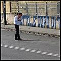 Buche stradali a Napoli - Augusto De Luca gioca a Golf nelle buche.1.jpg