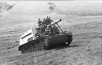 Hummel (vehicle) - A Hummel navigates a hill in central-southern Russia (June 1943)