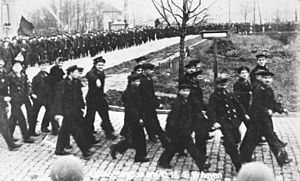 Kiel mutiny - Sailors demonstrating at Wilhelmshaven