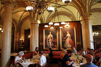 Café Central - Image: Cafe Central in Vienna interior near portraits