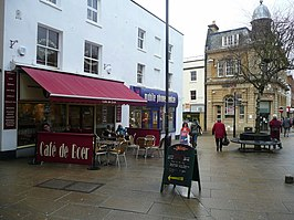 Cafe culture, Yeovil High Street - geograph.org.uk - 1126371.jpg