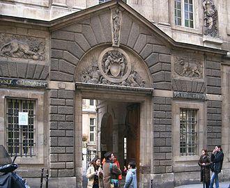 Musée Carnavalet - Image: Carnavalet Portal