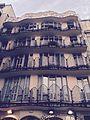 Casa Battlo, façade cour intérieur.jpg