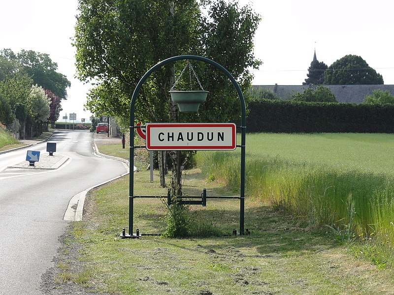 Chaudun (Aisne) city limit sign