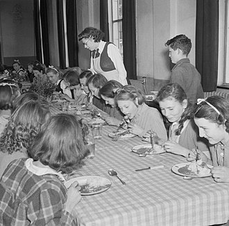 Knights Templar School - Children having lunch at Baldock County Council School in 1944