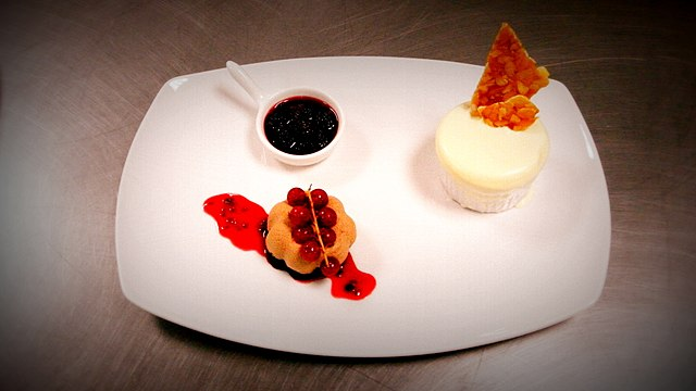 File:Chocolate Mousse with Frozen Soufflé and Berry compote (4).jpg