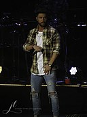 Chris Lane @ 98.5 KYGO's Christmas Jam 2017.jpg