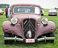 Citroen Traction Avant 1948 in your face.jpg