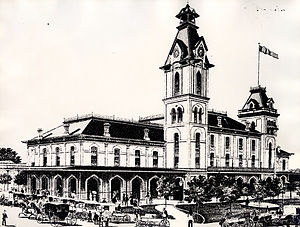 Market Square Park - City Hall and Market House