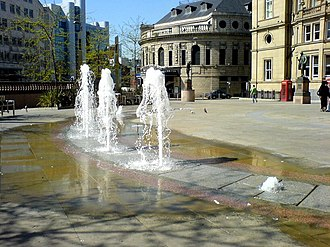 Leeds City Square - Fountains in City Square