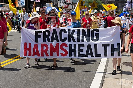 Anti-fracking banner at the Clean Energy March (Philadelphia, 2016) CleanEnergyMarch-4-1470248 (27926806733).jpg