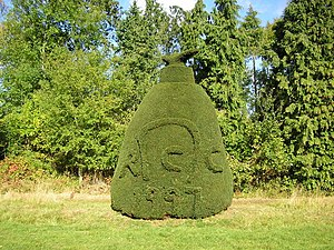 Rutland - Topiary at Clipsham Yew Tree Avenue to mark Rutland's independence in 1997