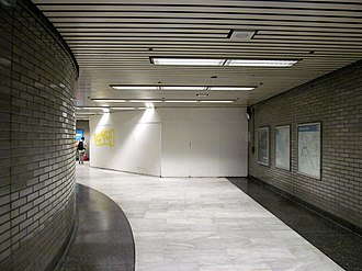 Civic Center/UN Plaza station - The closed-off entrance in 2017