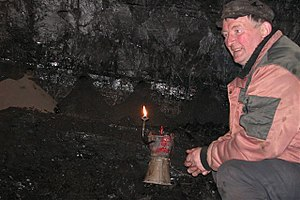 Carbide lamp - Carbide lamp in a coal mine