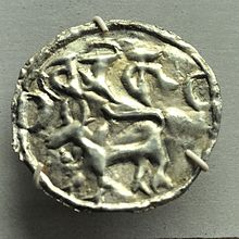 تعرف علي اصل اللغة البنغالية 220px-Coin_-_Silver_-_Circa_9-10th_Century_13th_Century_CE_-_Harikela_Kingdom_-_ACCN_90-C2752_-_Indian_Museum_-_Kolkata_2014-04-04_4303