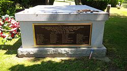 Colgan Air Flight 3407 Memorial.jpg