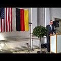 ConsMunich Botschafter Murphy beim German American Friendship Circle. (7643107180).jpg