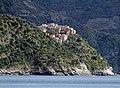 Corniglia, vista da Monterosso - panoramio.jpg