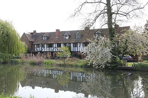 Cottages by the canal - geograph.org.uk - 2375525