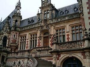 Alexandre Le Grand (merchant) - Detail of the Palais Bénédictine.