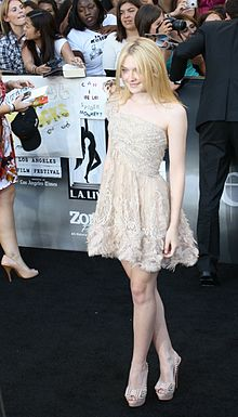Fanning at the premiere of Eclipse in June 2010