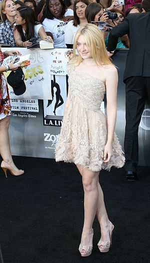 Dakota Fanning - Fanning at the premiere Eclipse in June 2010