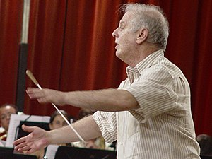 Daniel Barenboim - Daniel Barenboim leads a rehearsal of the West–Eastern Divan in Seville, Spain, 2005