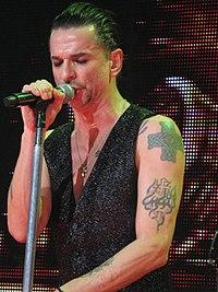 Dave Gahan vid en konsert i London 2010.