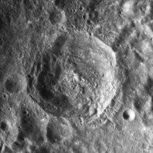 德尔波特陨石坑