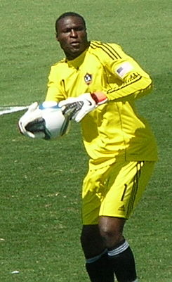 Donovan Ricketts at Galaxy at Earthquakes 2010-08-21 7.JPG