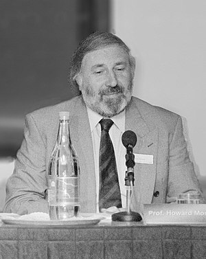 Howard Morris (biochemist) - Morris at the 'Endogenous Opiates' Witness Seminar in November 1995