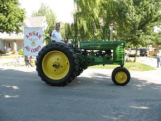 Edinburg, Illinois - Image: Edinburg Labor Day Tractor