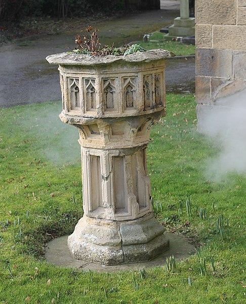 File:Eglwys Crist, Christ Church, yr Orsedd, Rossett, Wrecsam, Wrexham 09.jpg