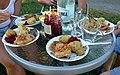 Eine rustikale Mahlzeit in Beskiden 0043.JPG