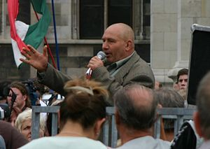 2006 protests in Hungary - György Ekrem-Kemál speaking at a rally near the Parliament Building