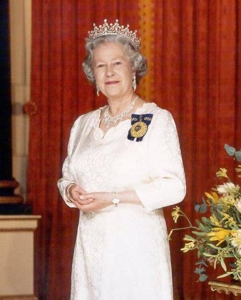 Elizabeth II, Queen of Australia detail