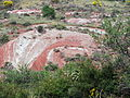 Environ du Salagou (34) pierre route.jpg