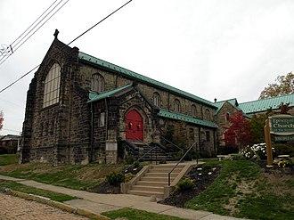 Crafton, Pennsylvania - Image: Episcopal Churchofthe Nativity Crafton