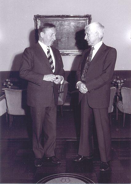 File:Ernst Klett und Ernst Juenger.jpg