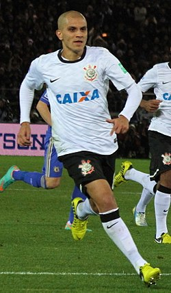 Fábio Santos vs Chelsea 2012 FIFA Club World Cup (cropped).jpg