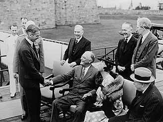 Anthony Eden - Eden with Mackenzie King and Winston Churchill meeting Franklin D. Roosevelt at the Quebec Conference in 1943.