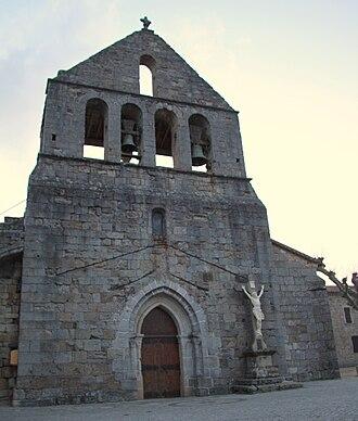 Ailhon - Image: Facade église romane d'Ailhon
