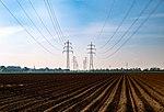 Felder und 110-kV-Freileitungen bei Loosen, Viersen.jpg