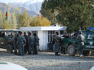 Fayzabad, Badakhshan - German soldiers of the ISAF with Afghan National Police (ANP) in Fayzabad.