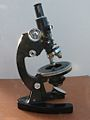 Fine rotative table Microscope 5 (12996283235).jpg