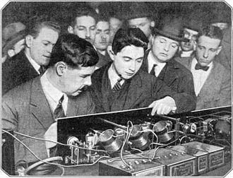 Neutrodyne - Image: First neutrodyne radio receiver
