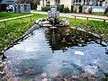 Fontaine avec bassin, au centre du village d'Oderen.jpg