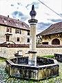 Fontaine de la place centrale.jpg