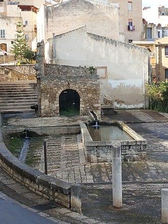 Arab fountain of Alcamo - Front view
